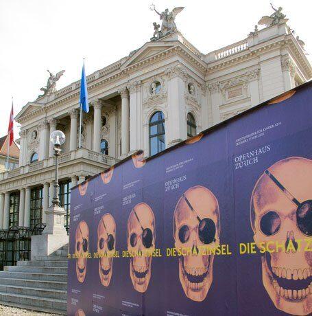 Plakatwand Opernhaus Zürich 2012
