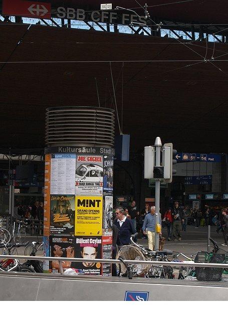 Plakataushang Zürich Bahnhofplatz