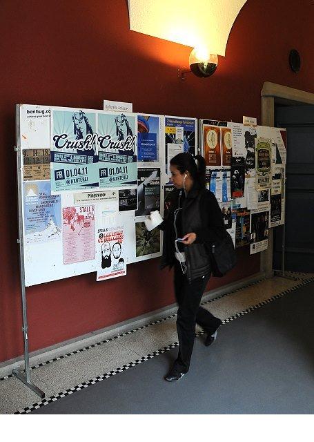 Plakataushang Universität Zürich